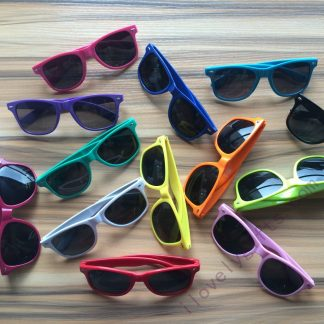 cheap-customized-sunglasses-employees-gifts-idea-best-corporate-gifts-for-clients