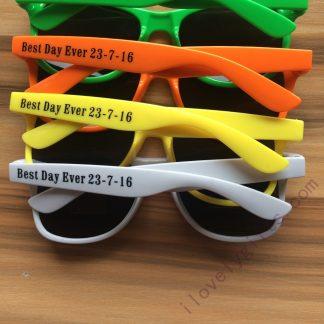 custom-sunglasses-bulk-summer-wedding-favors-wedding-guest-gifts