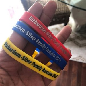 cheap-custom-silicone-wristbands-free-shipping-friend-family-reunion-gifts-souvenirs