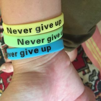custom-rubber-wristbands-bulk-Gift-ideas-for-family-dealing-with-cancer-sport-team-cheering-gifts